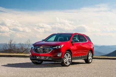 2020-Chevrolet-Equinox-Front_left